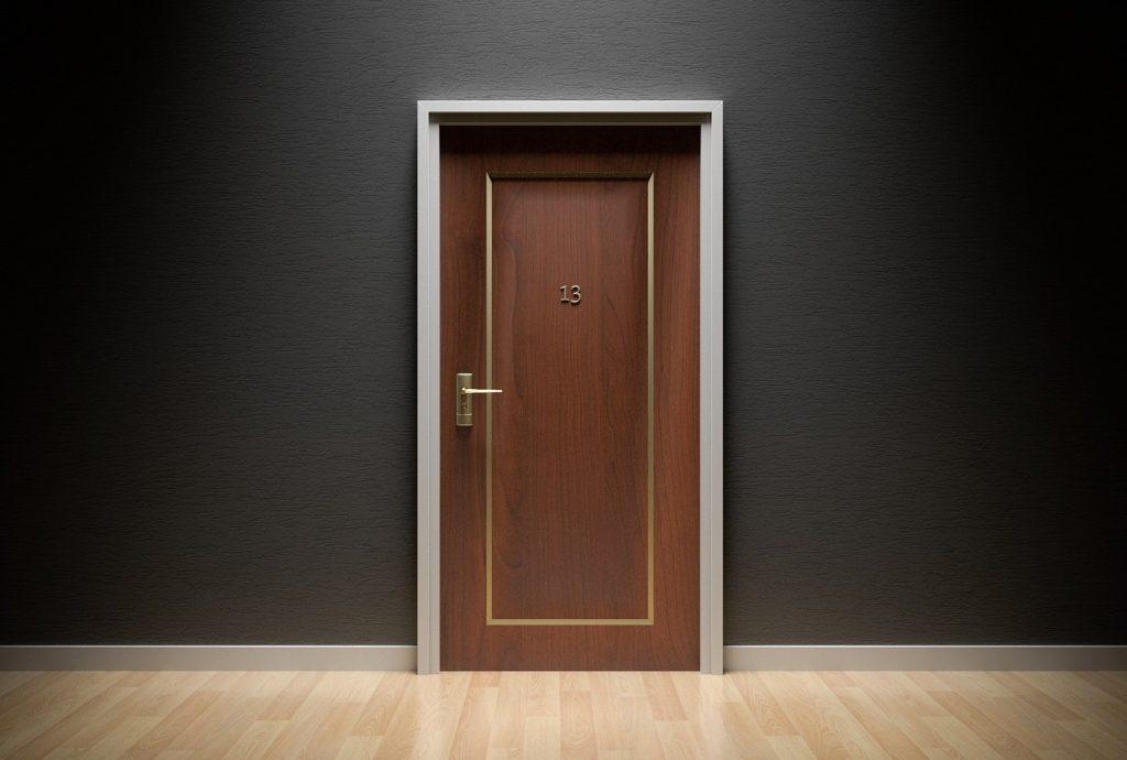 Ovi tuntemattomaan