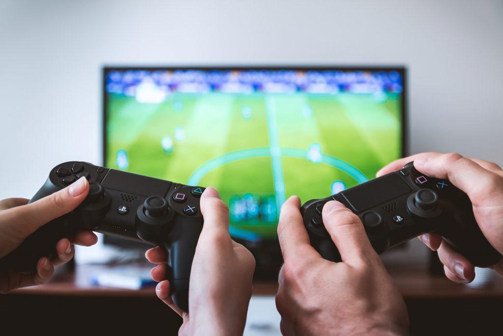 Pelaaminen voi auttaa selviämään vaikeasta elämäntilanteesta.